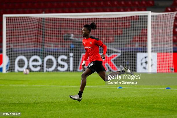 Eduardo Camavinga of Stade Rennais FC warms up before the UEFA Champions League Group E stage match between Stade Rennais and Chelsea FC at Roazhon...