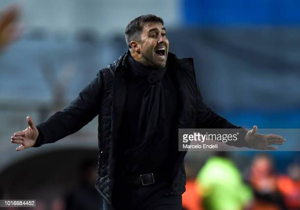 Eduardo Coudet coach of Racing Club gestures during a round of sixteen first leg match between River Plate and Racing Club as part of Copa CONMEBOL...