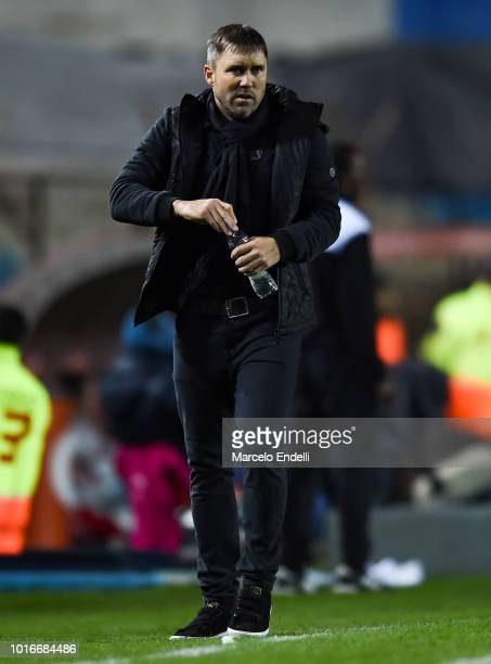 Eduardo Coudet coach of Racing Club looks on during a round of sixteen first leg match between River Plate and Racing Club as part of Copa CONMEBOL...