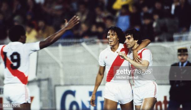 Eduardo Malasquez and Juan Carlos Oblitas of Peru celebrate during the International Friendly match between France and Peru at Parc des Princes in...