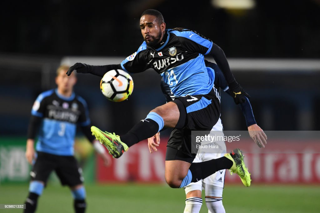 Eduardo Neto of Kawasaki Frontale in action during the AFC Champions League Group F match between Kawasaki Frontale and Melbourne Victory at Todoroki Stadium on March 7, 2018 in Kawasaki, Kanagawa, Japan.