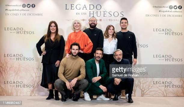 Eduardo Rosa Juan Carlos Librado Imanol Arias Leonardo Sbaraglia Fernando Gonzalez and Marta Etura attend Legado En los Huesos Madrid Photocall on...