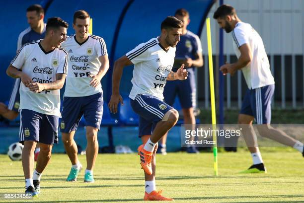 Eduardo Salvio of Argentina and teammates warm up during a training session at Stadium of Syroyezhkin sports school on June 27 2018 in Bronnitsy...