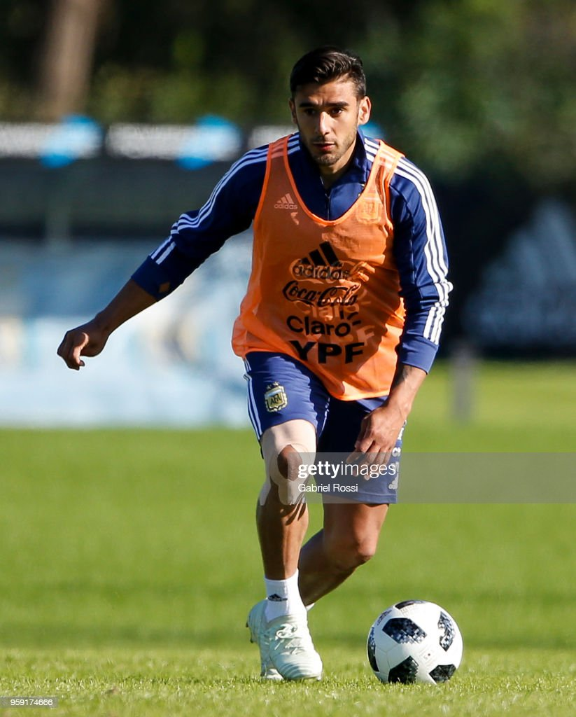 Eduardo Salvio of Argentina drives the ball during a traning session as part of the preparation for the FIFA World Cup Russia at Julio Humberto Grondona Training Camp on May 16, 2018 in Ezeiza, Buenos Aires, Argentina.
