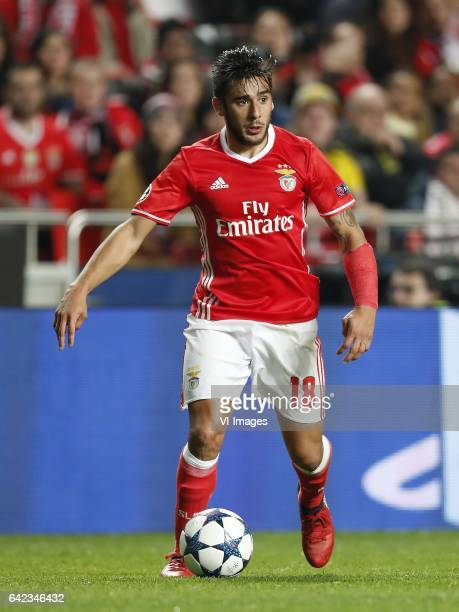 Eduardo Salvio of SL Benficaduring the UEFA Champions League round of 16 match between SL Benfica and Borussia Dortmund on February 14 2017 at...
