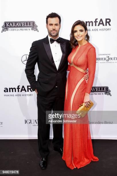 Eduardo Scarpa and Carol Celico attend the 2018 amfAR Gala Sao Paulo at the home of Dinho Diniz on April 13 2018 in Sao Paulo Brazil