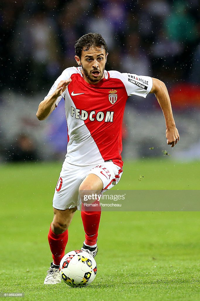 Eduardo Silva of Monaco in action during the French Ligue 1 match between Toulouse and Monaco at Stadium on October 14, 2016 in Toulouse, France.