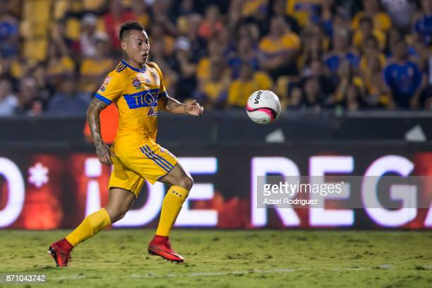 Eduardo Vargas of Tigres chases the ball during the 16th round match between Tigres UANL and Necaxa as part of the Torneo Apertura 2017 Liga MX at...