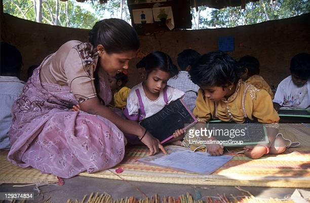 Education, India, Andhra Pradesh, Rishi Valley, Centre For New Education, Classroom Where Children Learn In An Unthreatening Atmosphere,
