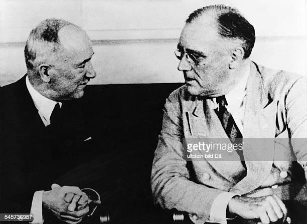 Edvard Benes Präsident dertschechoslowakischen Exilregierung im Weissen Haus in Washingtonim Gespräch mit Präsident Franklin DRoosevelt Mai oder Juni...