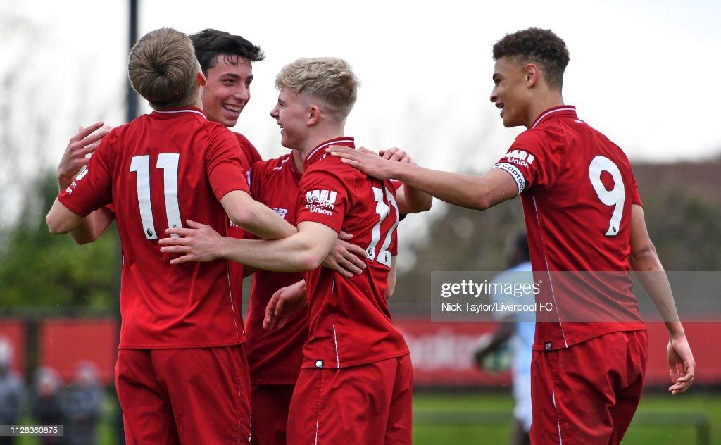 Liverpool v Blackburn Rovers: U18 Premier League : Fotografía de noticias