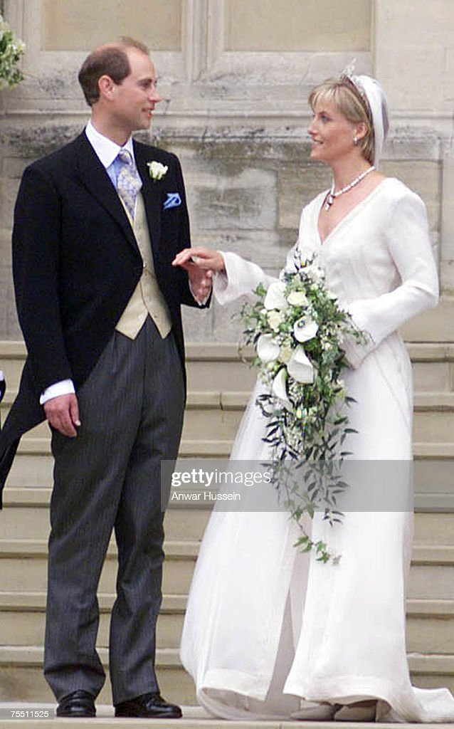Edward and Saphie, the new Earl and Countess of Wessex on their wedding day in Windsor on June 19, 1999. at the Windsor in Windsor, United Kingdom.