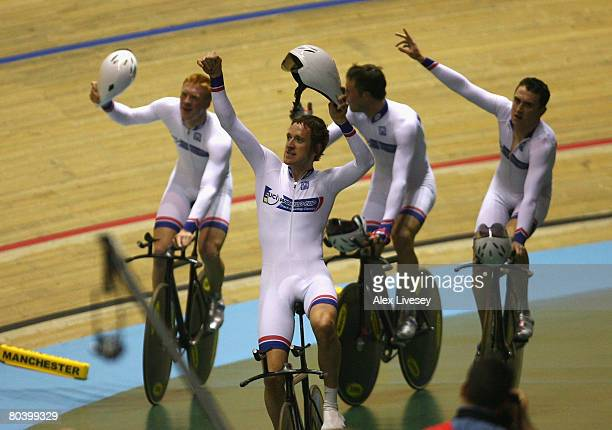 Edward Clancy Geraint Thomas Paul Manning and Bradley Wiggins of Great Britain celebrate victory in the Men's Team Pursuit Gold Medal Final during...