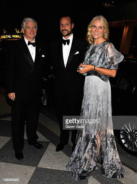 Edward P Gallagher President The AmericanScandinavian foundation Crown Princess MetteMarit and Crown Prince Haakon Of Norway arrive to the 2010...