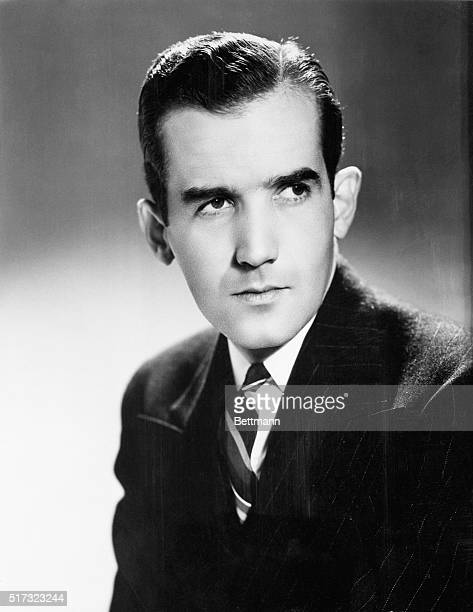 Edward R Murrow European director of the Columbia Broadcasting System pictured above was awarded a medal by the National Headliners' Club