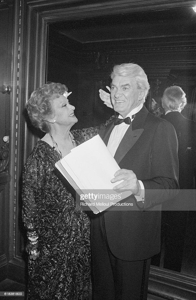 Actors Edwige Feuillere and Jean Marais : ニュース写真