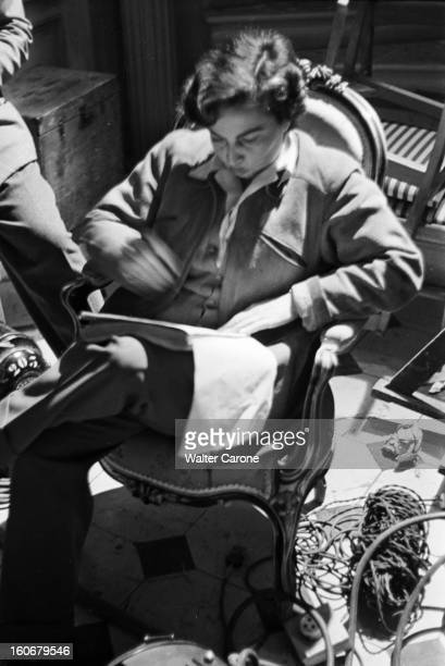 Edwige Feuillere In 'olivia' Directed By Jacqueline Audry Tournage du film 'OLIVIA' réalisé par Jacqueline AUDRY novembre 1950 la réalisatrice...