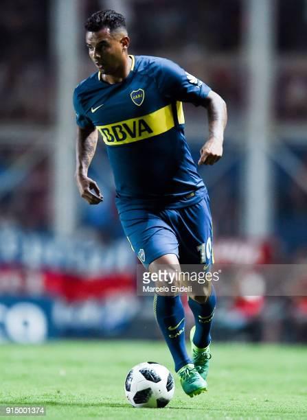 Edwin Cardona of Boca Juniors drives the ball during a match between San Lorenzo and Boca Juniors as part of the Superliga 2017/18 at Pedro Bidegain...
