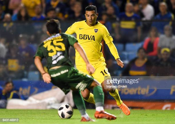 Edwin Cardona of Boca Juniors drives the ball during a match between Boca Juniors and Defensa y Justicia as part of Argentine Superliga 2017/18 at...