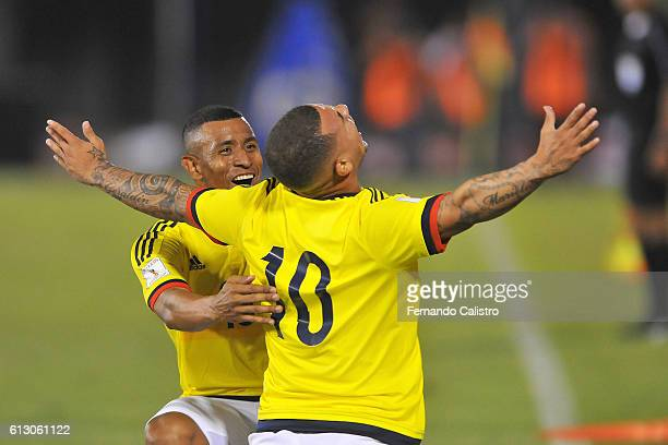Edwin Cardona of Colombia celebrates with teammates after scoring the opening goal during a match between Paraguay and Colombia as part of FIFA 2018...
