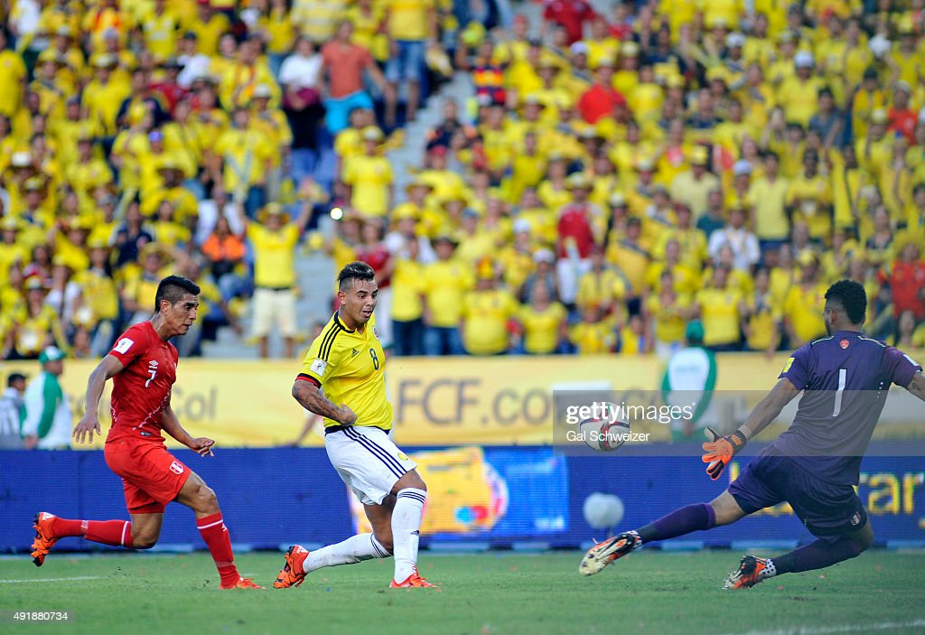 Edwin Cardona of Colombia shoots to score the second goal of his team during a match between Colombia and Peru as part of FIFA 2018 World Cup Qualifier at Metropolitano Roberto Melendez Stadium on October 08, 2015 in Barranquilla, Colombia.
