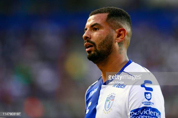 Edwin Cardona of Pachuca reacts during the quarterfinals first leg match between Pachuca and Tigres UANL as part of the Torneo Clausura 2019 Liga MX...