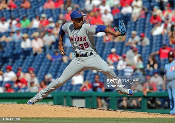 Edwin Diaz of the New York Mets delivers a pitch in the ninth inning during a game against the Philadelphia Phillies at Citizens Bank Park on June...