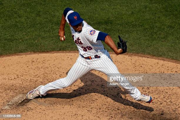 Edwin Diaz of the New York Mets pitches in the eighth inning against the Milwaukee Brewers during game one of a doubleheader at Citi Field on July 7,...