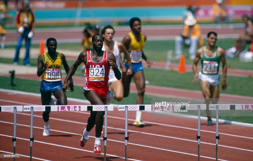 Men's Track 400 Metres Hurdles Competition At The 1984 Summer Olympics : News Photo