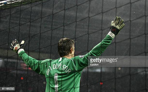 Edwin van der Sar celebrates the victory during the UEFA Champions League Final match between Chelsea and Manchester United at the Luzhniki Stadium...