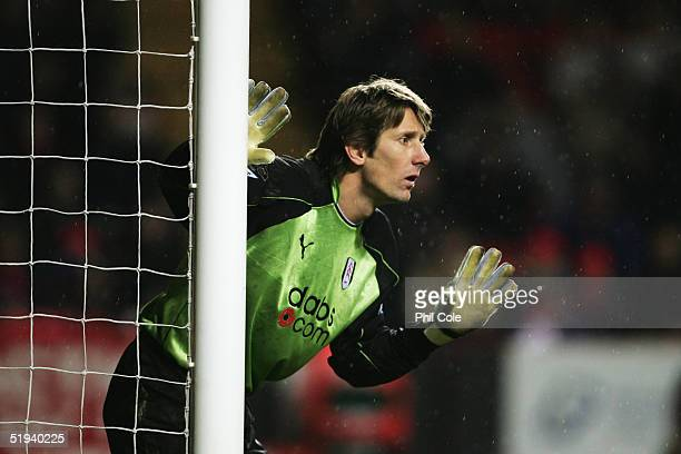 Edwin van der Sar of Fulham organises his defence during the Barclays Premiership match between Charlton Athletic and Fulham at The Valley on...