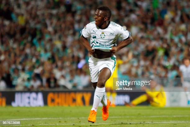Edwuin Cetre of Santos celebrates after scoring the fourth goal of his team during the semifinals first leg match between Santos Laguna and America...