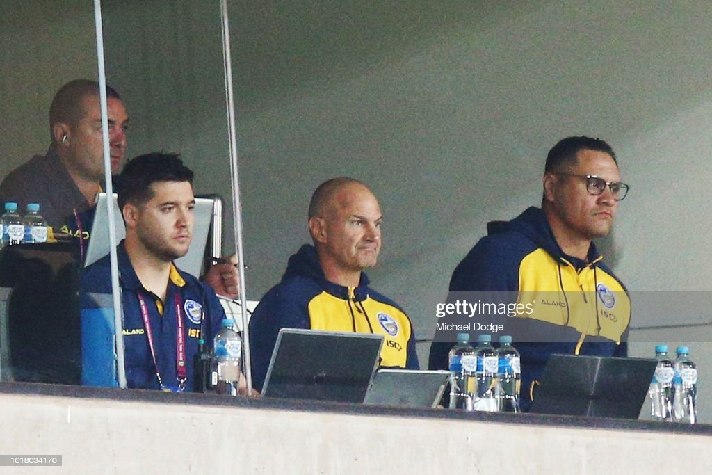 Eels head coach Brad Arthur (C) looks on during the round 23 NRL match between the Melbourne Storm and the Parramatta Eels at AAMI Park on August 17, 2018 in Melbourne, Australia.
