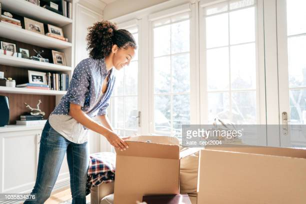 efficient moving with no stress - organization stock pictures, royalty-free photos & images