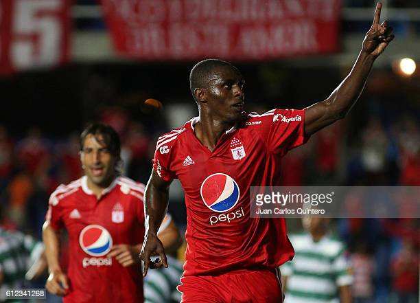 Efrain Cortes of America de Cali celebrates after scoring the second goal of his team during a match between America de Cali and Valledupar as part...