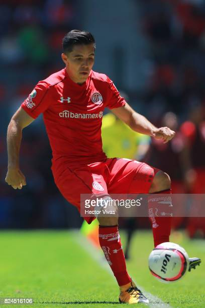 Efrain Velarde of Toluca controls the ball during the 2nd round match between Toluca and Leon as part of the Torneo Apertura 2017 Liga MX at Nemesio...