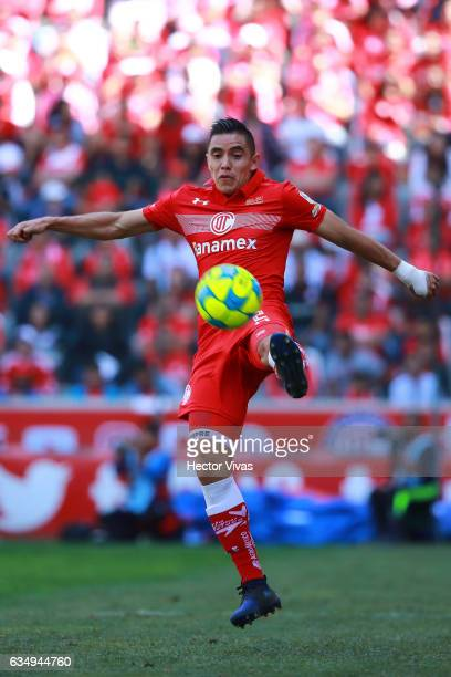 Efrain Velarde of Toluca controls the ball during the 6th round match between Toluca and Veracruz as part of the Torneo Clausura 2017 Liga MX at...