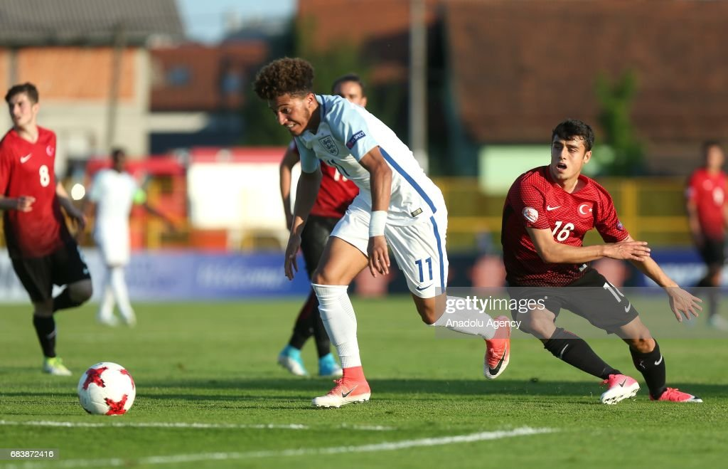 Turkey vs England : UEFA European Under-17 Championship : News Photo