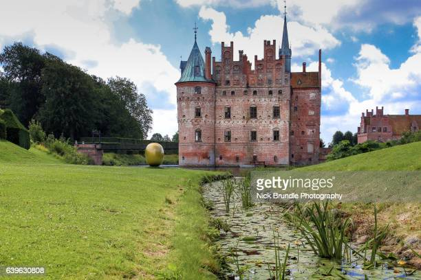egeskov castle - denmark - funen stock pictures, royalty-free photos & images