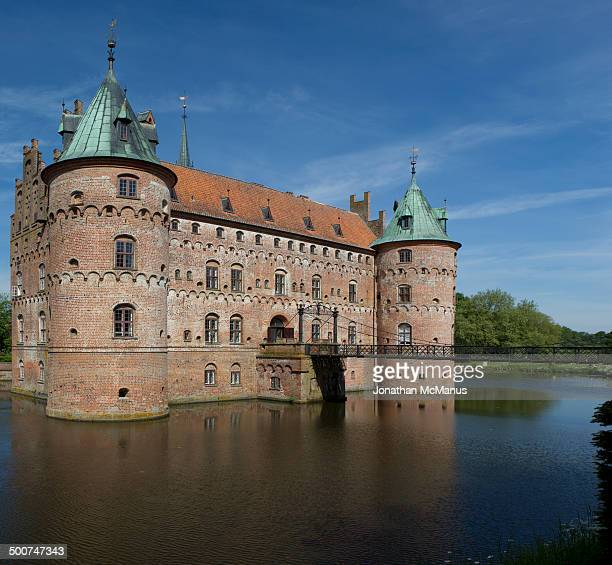 Egeskov castle was built in 1554 and restored in the late nineteenth century by the Swedish architect Helgo Zetterwall.