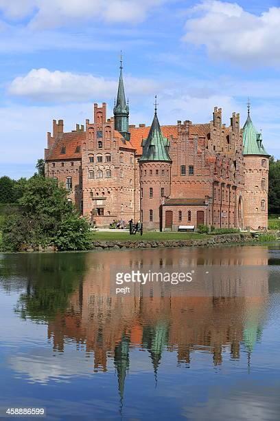 egeskov slot castle - pejft stock pictures, royalty-free photos & images