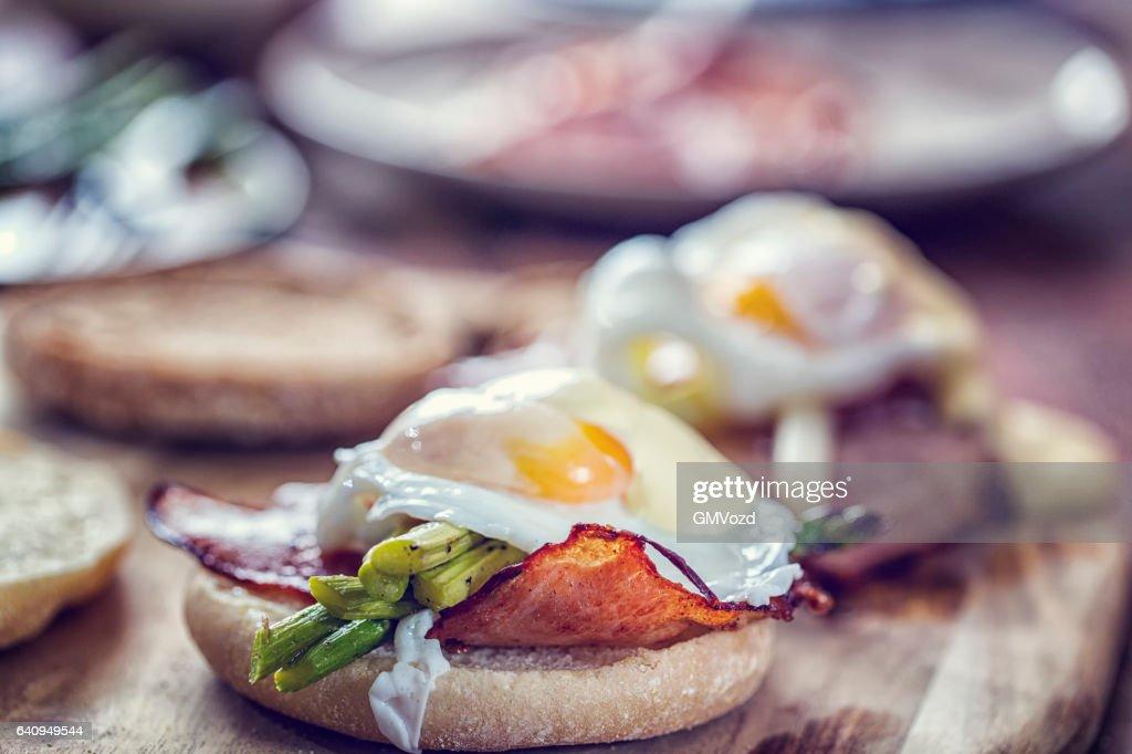 Benedikt Ei zum Frühstück : Stock-Foto