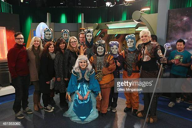 AUSTIN ALLY 'Eggs Extraterrestrials' When Dez Trish and Austin convince Ally to attend the annual Zaliens Convention that's being held in Miami Trish...
