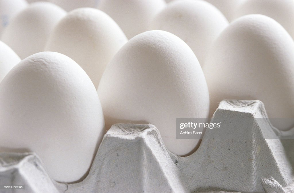 Eggs in tray, close up : Foto de stock