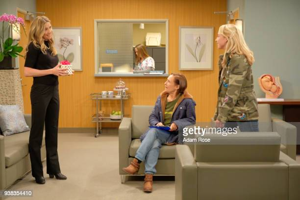 ROSEANNE Eggs Over Not Easy A crucial moment for Becky's surrogacy arrangement forces her and Darlene to critically assess each other's lives...