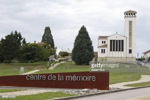 Eglise le 16 septembre 2011 OradoursurGlane HauteVienne Limousin Le nom d'OradoursurGlane reste attache au massacre de sa population par la division...