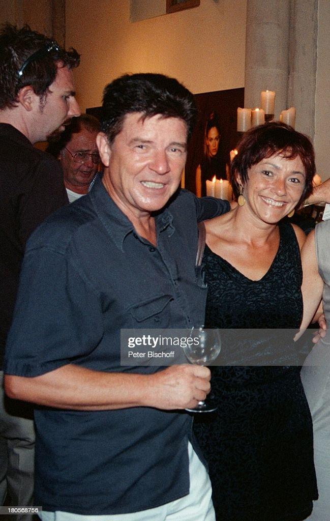 Egon Wellenbrink, Ehefrau Lisa, Star-Friseur;'Udo Walz' feierte : News Photo