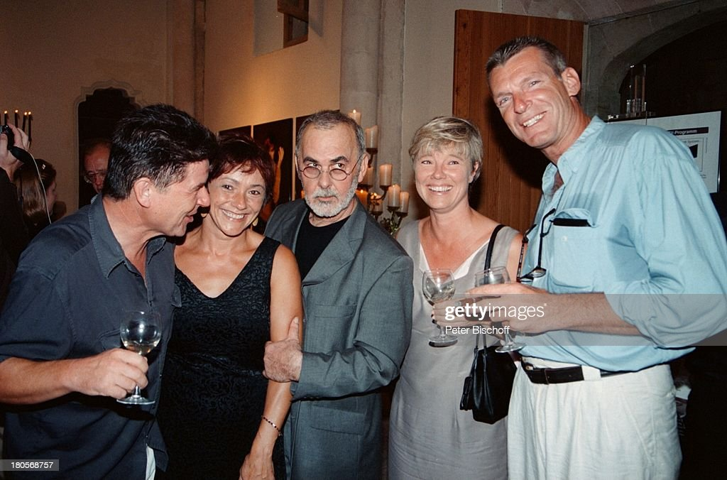 Egon Wellenbrink, Ehefrau Lisa, Udo Walz, Name folgt, Name folgt : News Photo