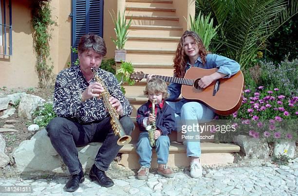 Egon Wellenbrink Sohn Nico Tochter Susanna Mallorca Spanien Musiker Schauspieler Schauspielerin Gitarre Musikinstrument Homestory Vater Mutter...
