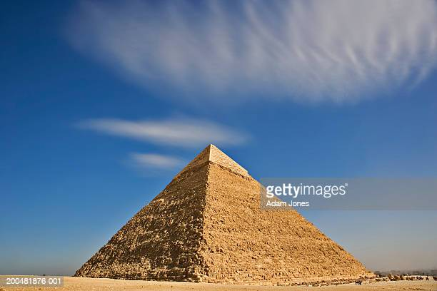 egypt, giza, pyramid of chephren - pyramid stock pictures, royalty-free photos & images